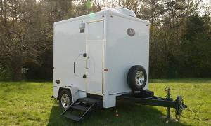 restroo trailer